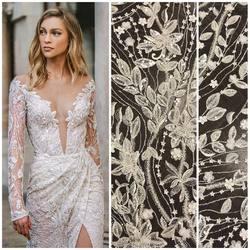 Piękna, zdobiona cekinami , koralikami i kwiatkami 3D koronka występuje pod symbolem : HT-92 i jest dostępna na naszej stronie www.scarlett.pl 🛒 . Projekt sukni to Galia Lahav z kolekcji 2021😍 #lace #lace2021#weddingdress #weddinginspiration #lacebridesmaiddress #lacephotography #slub #koronkislubne #tkaninyslubne