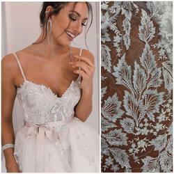 Piękna koronka VL-271 zdobiona srebrnymi cekinami i koralikami, dostępna na naszej stronie : 📱💻www.scarlett.pl w kategorii NOWOŚCI ✨ suknia projektu #cigdemmetinbridal #lace #lacedreas #bridal #lacefabric #lacefebric #weddinginspration #weddinginspirasi #wedding2021 #koronkislubne #tkaninyslubne #scarlett #hutrowniatkanin